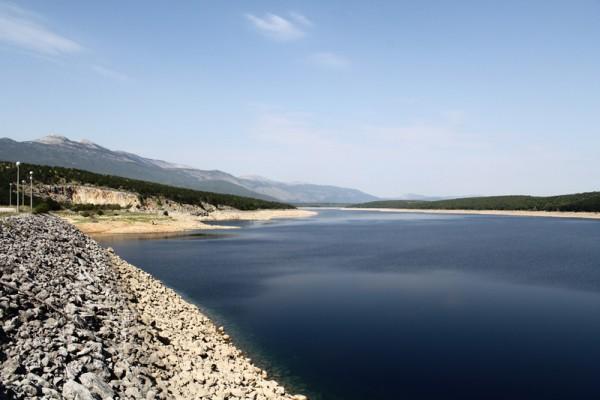 Akumulacijsko jezero HE Peruća